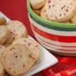 Delicious cranberry and pecan shortbread cookies — Stock Photo