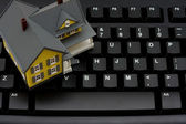 Real estate online — Stock Photo