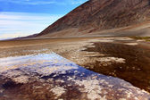 Badwater with Black Mountains Death Valley National Park Califor — Stock Photo