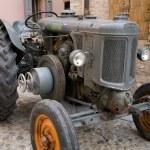 Tractor — Stock Photo #6944130