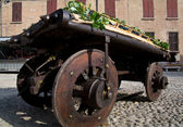 Old wooden wagon — Stock Photo