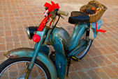 Old moped — Stock fotografie