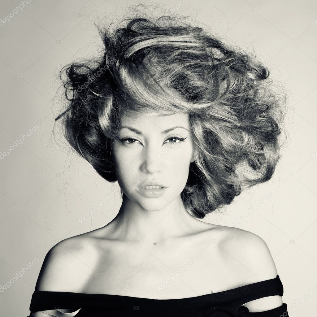 Photo of beautiful woman with magnificent hair — Stock Photo #7880065