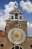 Bir saat kulesi ile 24 saat saat yüzünü venedik — Stok fotoğraf