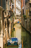 Canal view with boat in Venice — Stock Photo