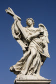 Statue of an angel on the Sant Angelo Bridge in Rome — Stock Photo