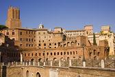 Monumentos antiguos de forum romanum en roma — Foto de Stock