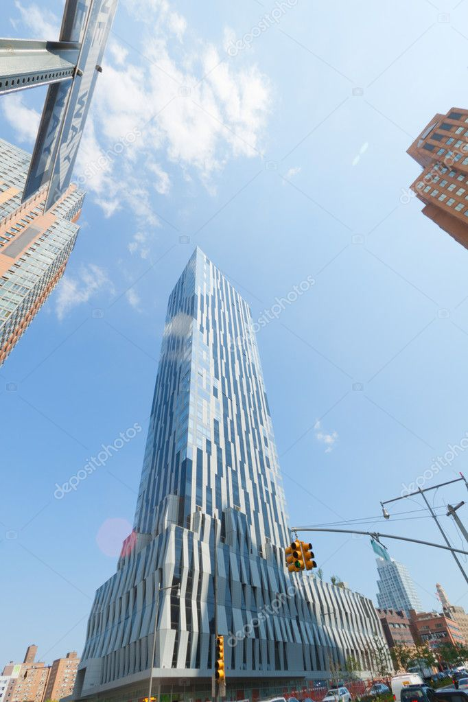 Modern building in downtown Brooklyn, New York City. — Stock Photo #7137379