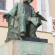Foto Stock: Great russiartist IvAyvazovski, statue in in Feodosia, Cr