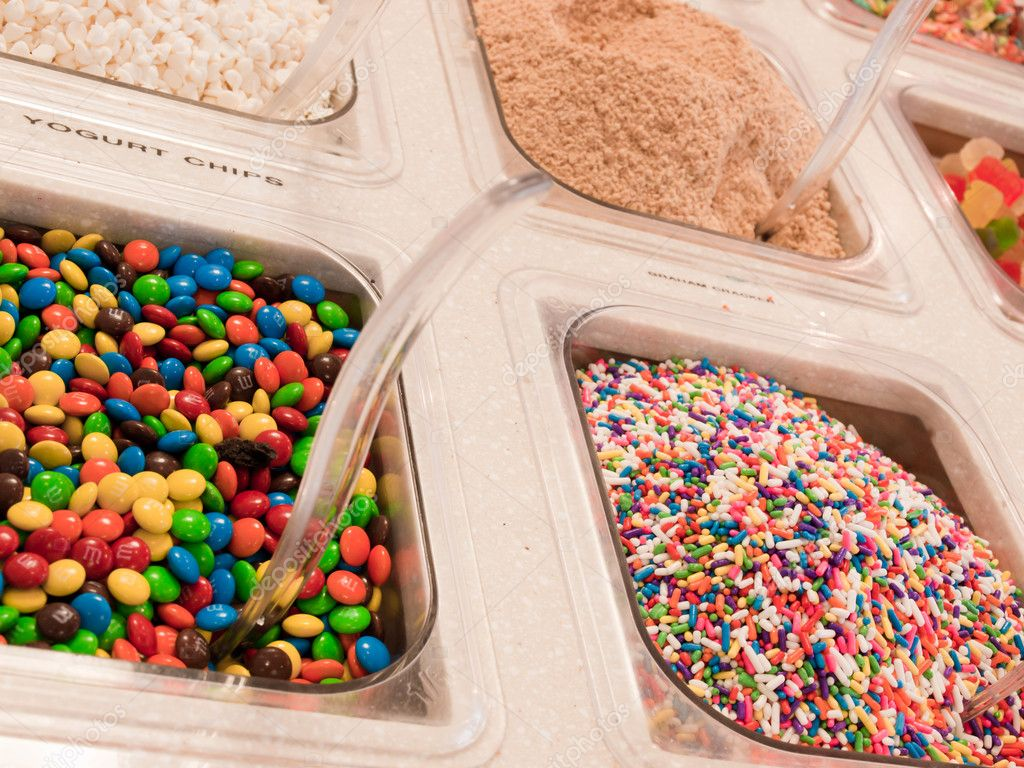 Toppings for frozen yogurt. — Stock Photo #6778393