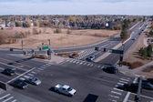 Intersección en el suburbio — Foto de Stock