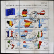 SPAIN - CIRCA 1999: A stamp printed in Spain shows flags of different countries of the European Union, serie, circa 1999 - Stockfoto