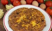 Omelette made with tagliatelle — Stok fotoğraf