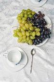 Cup and grapes — Foto de Stock