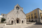 Ruvo (Bari, Puglia, Italy) - Old cathedral in Romanesque style — Stock Photo