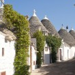 Alberobello (Bari, Puglia, Italy): Street in the trulli town — Stock Photo