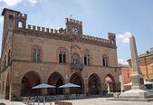 Fidenza (Parma, Emilia-Romagna, Italy) - Town hall, historic bui — Stock Photo