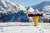 Planche à neige sur la montagne — Photo
