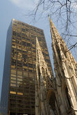 Saint patrick kathedraal in vijfde avenue, new york city — Stockfoto