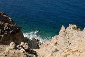 Santorini, yunanistan ın kayalık sahil — Stok fotoğraf