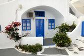 Traditional house in Santorini, Greece — Stock Photo