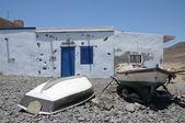 Rybářské lodě v pozo negro, kanárské ostrov fuerteventura, španělsko — Stock fotografie