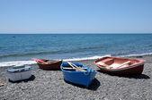 Barche a remi sulla spiaggia, delle isole canarie isola fuerteventura, spagna — Foto Stock