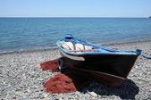 Rybářský člun na pláži. kanárské ostrova fuerteventura, španělsko — Stock fotografie