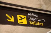 スペインでの空港出発記号 — ストック写真