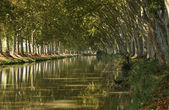 Canal du Midi near Beziers, southern France — Stock Photo