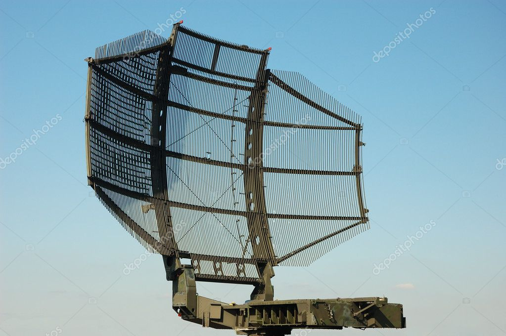 Camouflaged tactical military satellite dish — Stock Photo #7544351