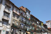 Huis in de oude stad van porto, portugal — Stockfoto