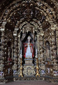 Ancient gilded altar in an old church in Portugal — Stock Photo