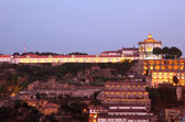 Serra pilar monastère à porto au crépuscule, portugal — Photo