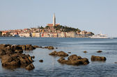 Adriatic Sea coast at the old town of Rovinj, Croatia — Stock Photo