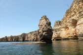 Côte rocheuse de l'algarve au portugal — Photo