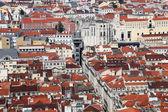 Uitzicht over de oude stad van lissabon, portugal — Stockfoto