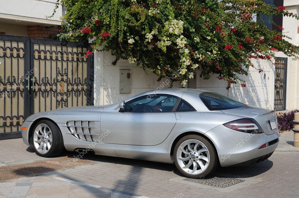 Luxury sports car mercedes benz slr mclaren in dubai for Mercedes benz luxury car