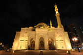 Al Noor Mosque in Sharjah at night. — Stock Photo