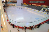 Ice Rink in Dubai Mall — Stock Photo