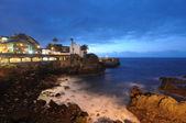 Puerto de la cruz på natten. canary ön teneriffa, spanien — Stockfoto