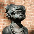 Statue of a young girl — Stock Photo #7882103