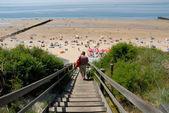 Escada para a praia na holanda — Fotografia Stock