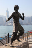 Statue of Bruce Lee at the Avenue of Stars in Hong Kong — Stock Photo