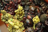 Chinese statuettes at souvenir shop in Shanghai — Stock Photo