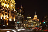 The Bund at night, Shanghai China — Stockfoto