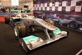 Coche de carreras de fórmula 1 de mercedes-benz — Foto de Stock
