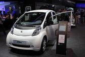 Nya elektriska peugeot ion bil — Stockfoto