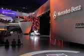 Mercedes benz na iaa 64 — Stock fotografie