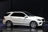 Mercedes Benz M-Class SUV — Stock Photo